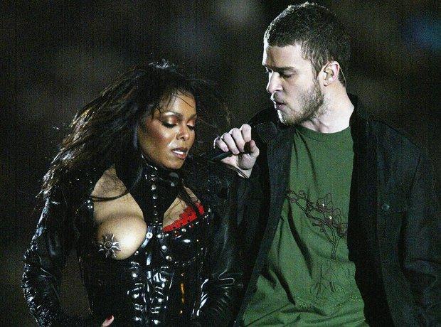 Superbowl 2004: Janet Jackson and Justin Timberlake