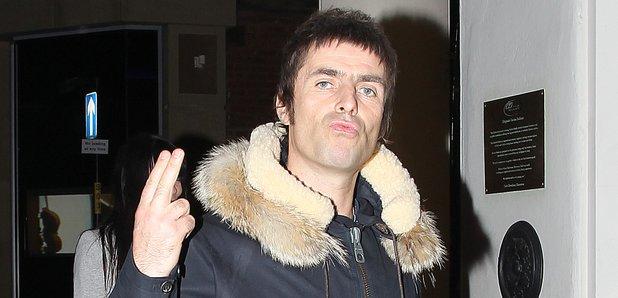 Q Arctic Monkeys Interview Liam Gallagher Wants T...