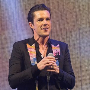 Brandon Flowers Killers Glastonbury 2017